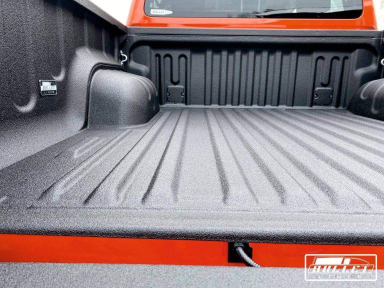 Toyota Hilux 2021 kravas kastes āķis