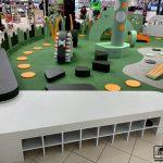 Tirdzniecības centrs bērnu rotaļu laukumi