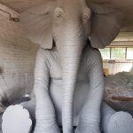 Putuplasta liels zilonis pelēkā krāsā